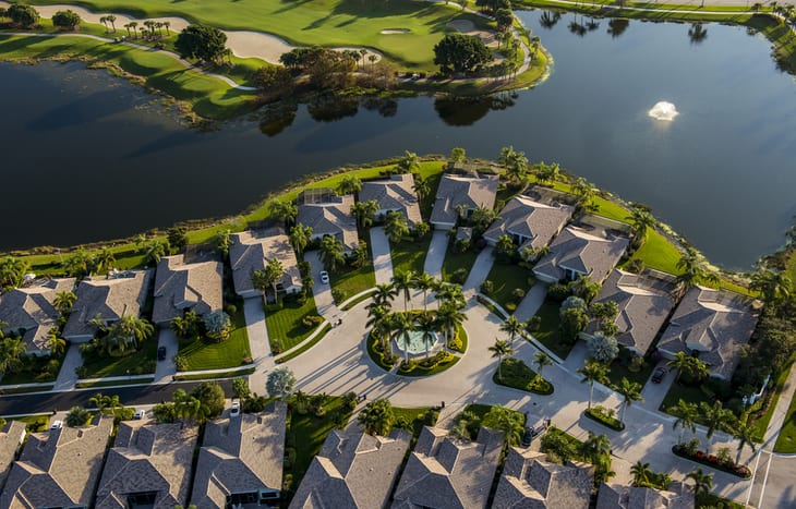 Overall view of retirement villages in Florida