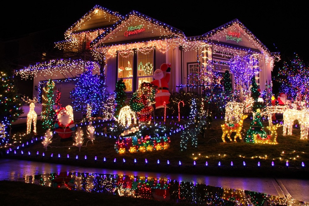 Holiday Spending: The Cost of Decking the Halls