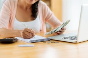 How to Set Up a Realistic Monthly Budget