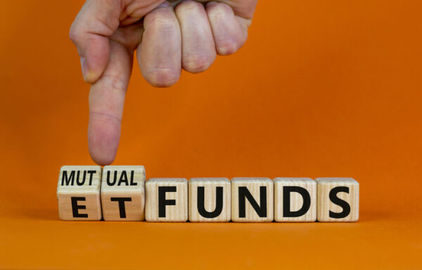 Advantages of ETFs Over Mutual Funds