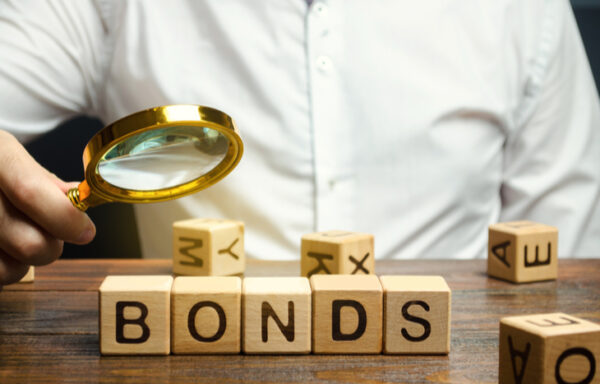 Premium vs. Discount Bonds: What's the Difference?