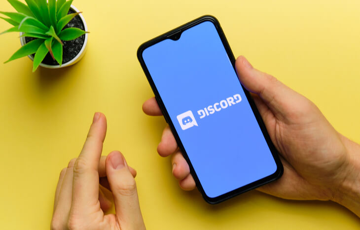 Looking up Discord IPO on a phone