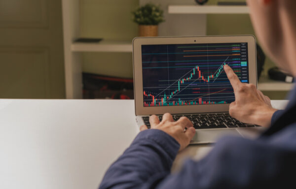 What are the Different Types of Investors?